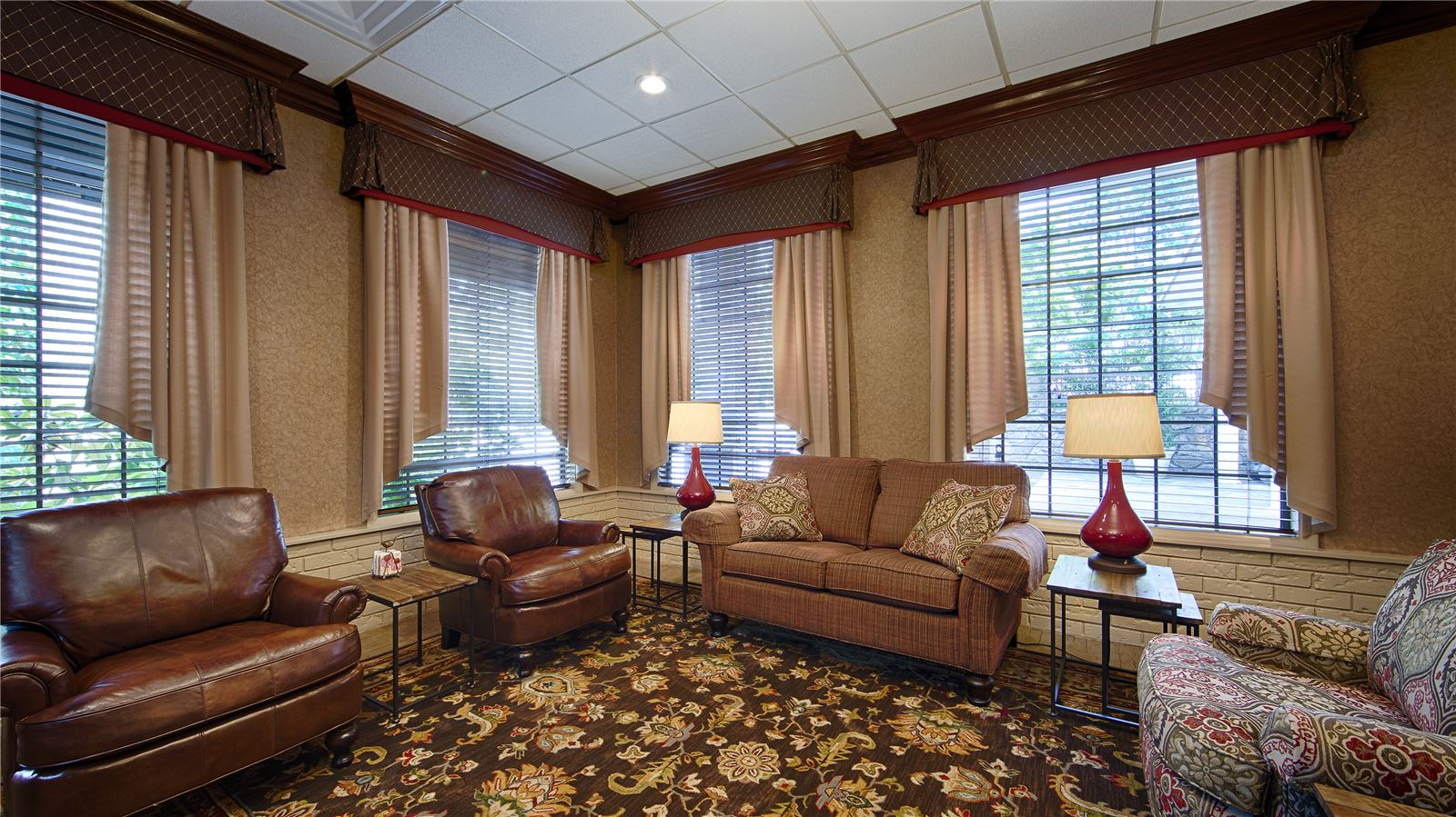 eureka springs ar hotel photos best western inn of the. Black Bedroom Furniture Sets. Home Design Ideas