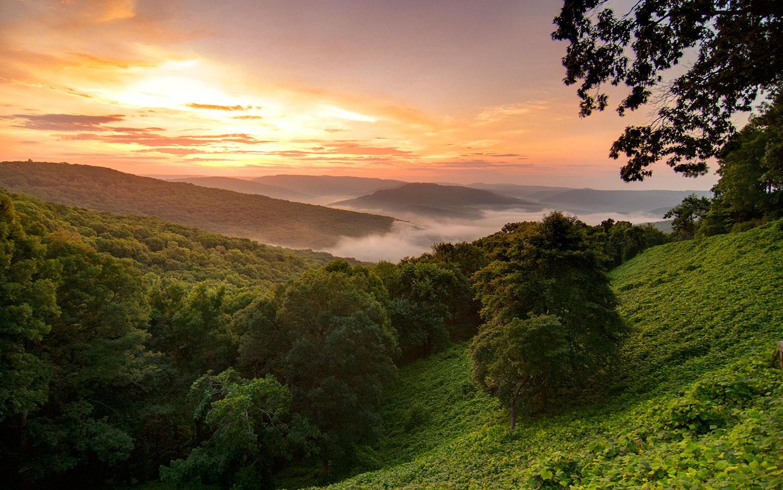 Ozark Mountains In Arkansas - Hiking, Parks, Caves & Lakes