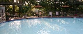Best Western Inn of the Ozarks Outdoor Pool and Game Court